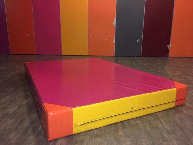 Rechthoekige valmat biedt veiligheid bij Buurtcentrum Edam-Volendam